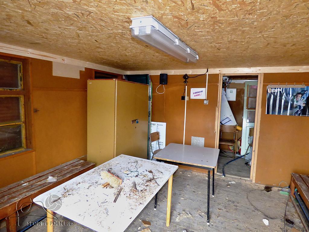 Oprava stropu v boudě na lyžařském vleku Nebíčko