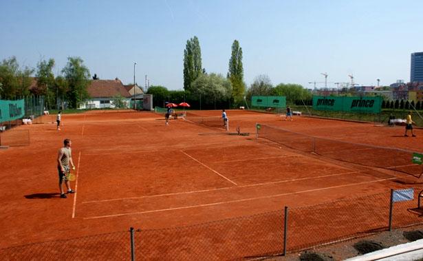 Tenisový turnaj čtyřher v Bukovici